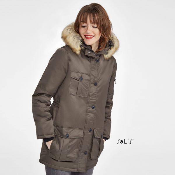 Sieviešu ziemas jaka ar dekoratīvu kapuci